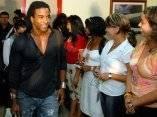 Yotuel, integrante del Grupo Orichas, llega a La Habana acompañando a Juanes para el concierto Paz sin Fronteras.