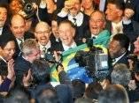 Miembro de la delegación brasileña, tras conocerse la elección de otorgar la sede olímpica a Brasil para el 2016