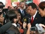 Chávez y Oliver Stone en la premier del documental