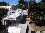 descuidos-silentes-en-el-cementerio-de-colon-13