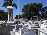 descuidos-silentes-en-el-cementerio-de-colon-28