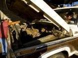cristina-isidro-salazar-y-felicitas-contreras-santiago-reparan-un-camion-para-poder-entregar-madera-a-sitios-de-construccion-alrededor-de-la-ciudad-en-san-pablo-huixtepec-mexico-dana-romanoffgetty-im