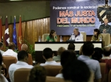 Fidel Castro 9604 Roberto Chile.jpg