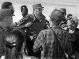 fidel-santa-clara-pedraplen-prensa-cubana-02-1996
