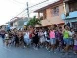 El público también en las calles, festeja la obtención del título de Campeón de la 56 Serie Nacional de Béisbol que se juega en el estadio Mártires de Barbados, en Granma, el 22 de enero de 2017. ACN FOTO/ Osvaldo GUTIÉRREZ GÓMEZ