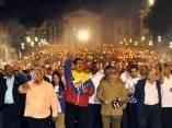 El General de Ejército Raúl Castro Ruz (C), Presidente de los Consejos de Estado y de Ministros, presidio la marcha de las Antorchas, en el homenaje a José Martí, en La Habana, el 27 de enero de 2014.AIN FOTO/Marcelino VAZQUEZ HERNANDEZ/sdl