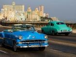 Los carros antiguos identifican a La Habana. Foto: Abel Padrón Padilla/Cubadebate