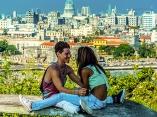 Disfrutar de una buena compañía alivia las altas temperaturas de este verano. Foto: Abel Padrón Padilla/ Cubadebate