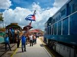 CUBA-HOLGUIN-¡LLEGO EL TREN!