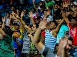 Los aficionados tuneros apoyando a su equipo en el latinoamericano. Foto: Ismael Francisco/ Cubadebate.