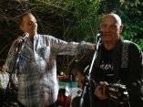 Antonio Guerrero canto junto al trovador cubano Santiago Feliu. Viernes 19 de diciembre 2014, La Habana. Foto: Ismael Francisco/Cubadebate.