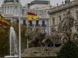 La Fuente de Cibeles, construida en 1782 y desde 1895 en su actual emplazamiento, ha terminado prestando su nombre a una de las plazas más emblemáticas de Madrid y se ha convertido en un símbolo de la capital. La fuente representa a la diosa romana del mismo nombre. Foto: Ismael Francisco/ Cubadebate.