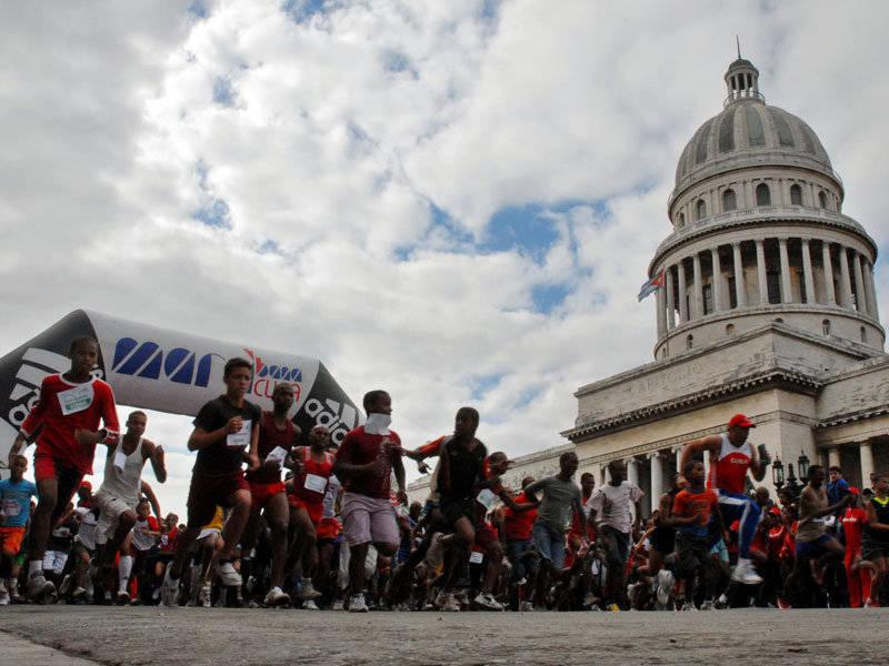 Largada, maratón Marabana, La Habana Cuba
