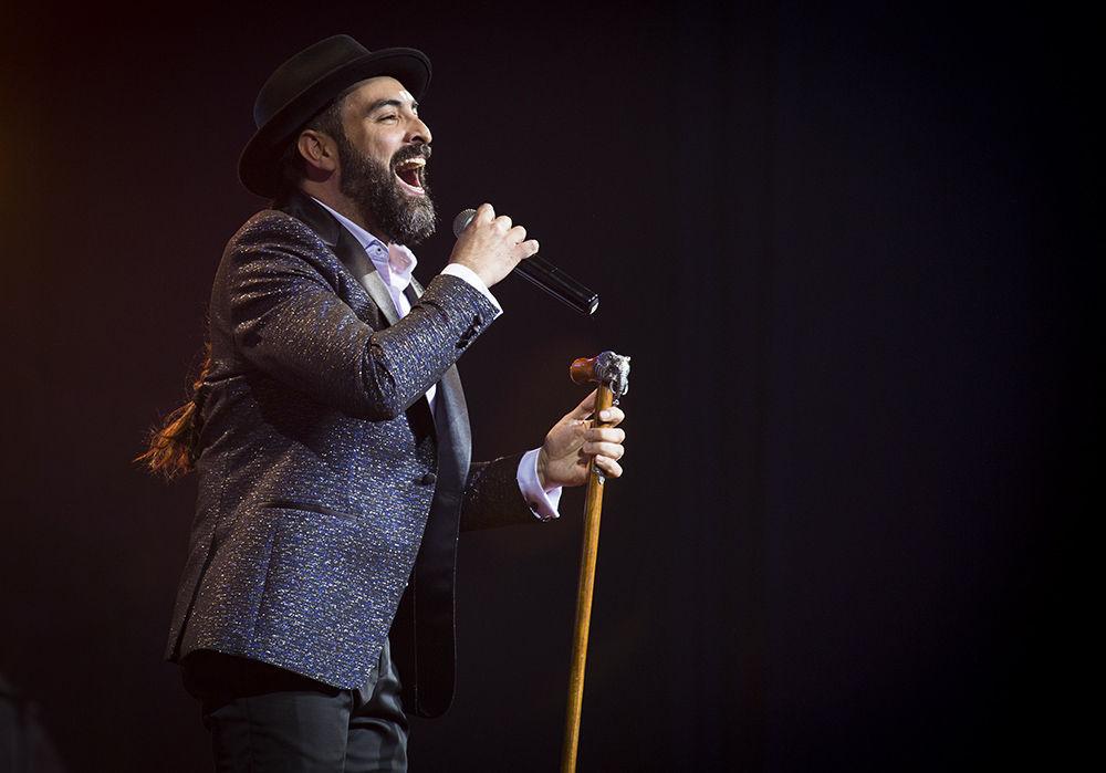 Lucas 2017 fiesta del videoclip cubano celebra su for Divan cantante cubano