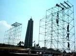 Preparativos en la Plaza de la Revolución José Martí para el Concierto Paz sin Fronteras (Foto KALOIAN)