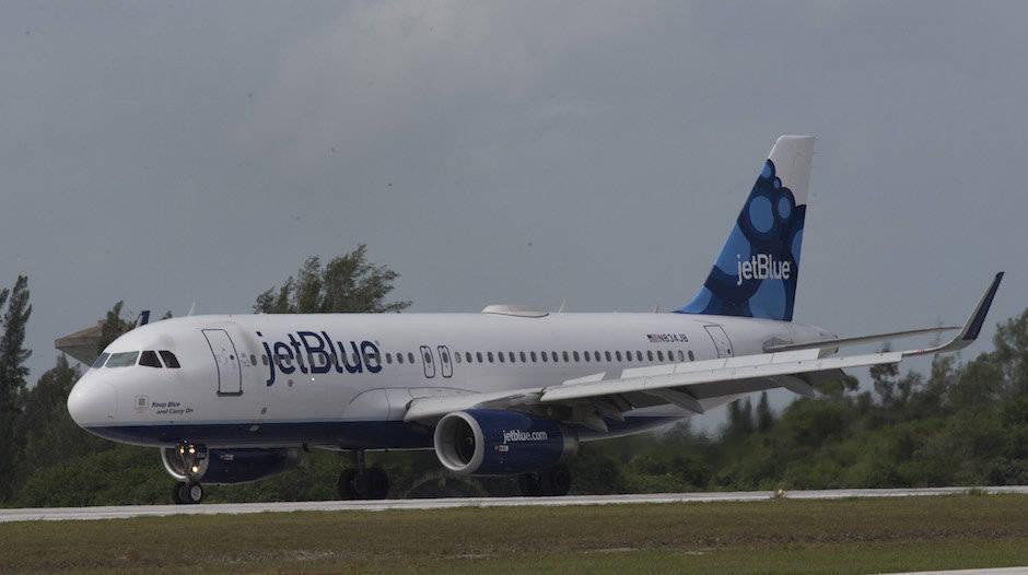 Bruno Rodríguez critica reducción de vuelos a Cuba desde EE.UU.