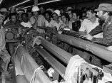 Fidel Castro en el combinado textil de Santa Clara, 4 de abril de 1979