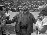 Fidel Castro, en la V Serie Nacional de Pelota, con Eddy Martin y Francisco Quicutis, 18 de diciembre de 1966