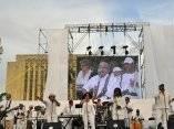 Van Van en el Concierto Paz sin Fronteras celebrado en la Habana en septiembre de 2009. Cierre con broche de Oro.