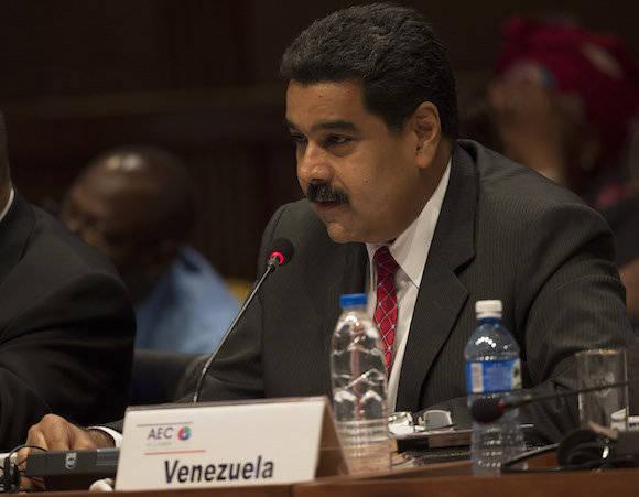 Que nadie pretenda imponerse en la hora de América Latina, aseguró Maduro