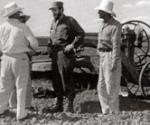 Fidel dialoga con los propietarios de las tierras, sobre la importancia de la Ley de Reforma Agraria
