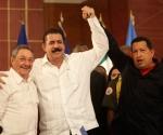 Raul Castro, Manuel Zelaya y Hugo Chávez en la Cumbre del Grupo de Rio