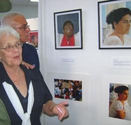 Mirta Rodriguez, la mamá de Tony, en la presentación de la exposición de su hijo en La Habana. (Foto de Archivo)
