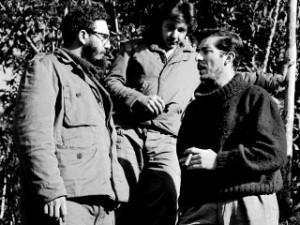 En diciembre de 1957, el periodista y fotógrafo madrileño, Enrique Meneses, se convirtió en el primer reportero que ascendió a la Sierra Maestra y fotografió a Fidel y al Che Guevara.