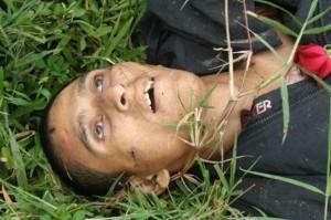 Honduras – El albañil Pedro Magdiel Muñoz Salvador fue asesinado entre el viernes y sábado pasado en la forma más bestial cuando se encontraba en la comunidad Alauca, cerca la frontera con Nicaragua aguardando el regreso del presidente Manuel Zelaya.