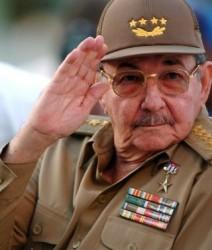 LLega Raúl Castro a Argelia