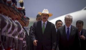 zelaya-llegada-guatemala