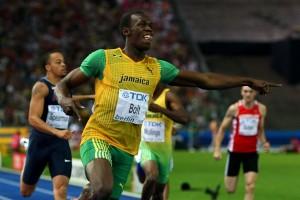 Un uevo record de Usain de Jamaica en los 200m de 19.19 segundos en los 12dos Campeonatos Mundiales IAAF en el Atletismo en Berlín (Getty Imagenes)