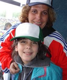 Olga Salanueva con la hija mayor de la pareja, Ivette González Salanueva.