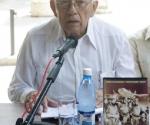 """El General de Brigada (R), Luis Demetrio Muñiz, presentó el Libro """"Una Fascinante Historia, La Conspiracion Trujillista"""" durante el Sabado del Libro, el 15 de Agosto de 2009 en el Palacio del Segundo Cabo. (Foto: Oriol de la Cruz, AIN)"""