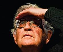 Noam Chomsky: Si Wikileaks hubiera puesto los cables solo en Internet, el público general no se habría enterado