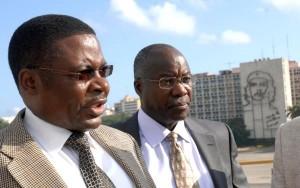 Kennneeth Marende (D), Presidente de la Asamblea Nacional de Kenya y la delegación que lo acompaña, rindieron tributo a José Marti, en la Plaza de la Revolución, en Ciudad de La Habana, el 3 de agosto de 2009. AIN FOTO/Marcelino VAZQUEZ HERNANDEZ