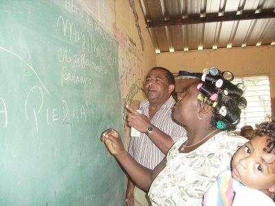 Dominicana se propone alfabetizar 700 mil personas en cuatro años con ayuda de método cubano