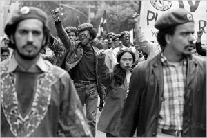 Miembros del Young Lord marchan en Nueva York, en junio de 1970. (Foto: The New York Times)