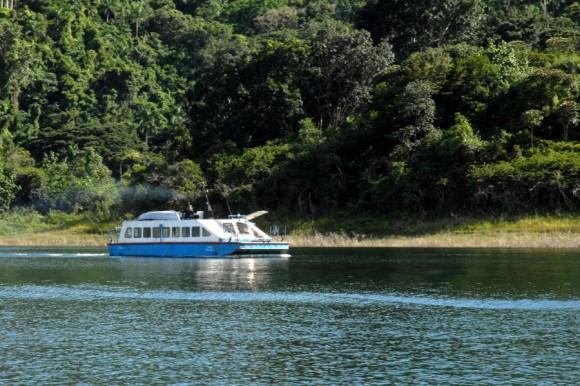 Hanabanilla, lago entre montañas, Villa Clara, Manicaragua