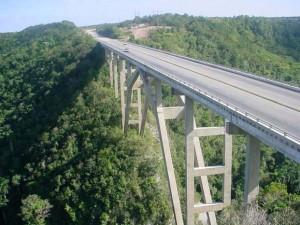 puente-bacunayagua