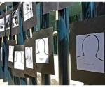 Siluetas que representan a periodistas asesinados en los últimos años en México