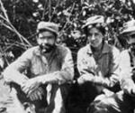En plena selva boliviana aparecen de derecha a izquierda Inti Peredo, Loyola Guzmán, Julio Méndez (el Ñato) y Jorge Vázquez Viaña.