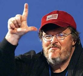 Michael Moore entrevistado por Naomi Klein: El capitalismo es la legalización de la codicia