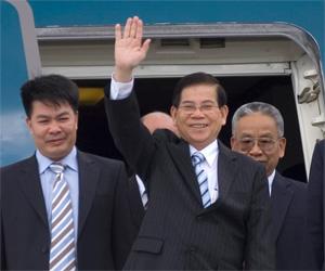 Nguyen Minh Triet, Presidente de la República Socialista de Viet Nam, a su llegada a Cuba