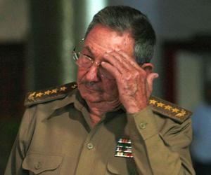 Raúl Castro rinde homenaje a Comandante de la Revolución Juan Almeida Bosque