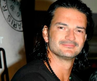 Desmienten muerte de Ricardo Arjona en sismo de Chile