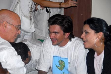 Vicente Feliú, Olaga Tañón y Juanes. Foto: Iván Soca