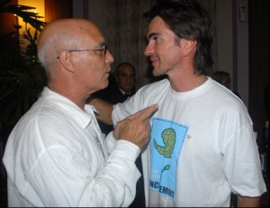 Vicente Feliú conversa con Juanes. Foto: Iván Soca