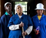 Las víctimas de la supuesta broma, de izquierda a derecha: Laukaziemma Koko; David Molete; Noom Phororo; Mitta Nlseng; Rebecca Adams. Ellos han llevado el caso a la corte.