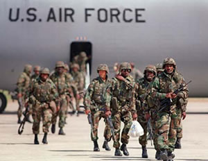 Gasto militar se reduce... pero poco